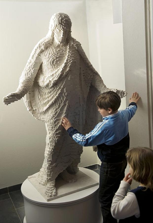Resultado de imagen de Lego Jesús a tamaño real.