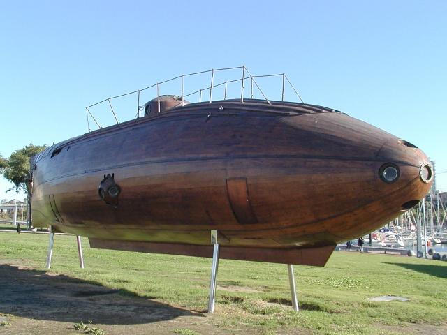 Resultado de imagen del primer submarino