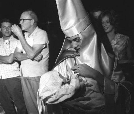 Resultado de imagen de KKK Mother with Child, Beaufort, SC, 1965
